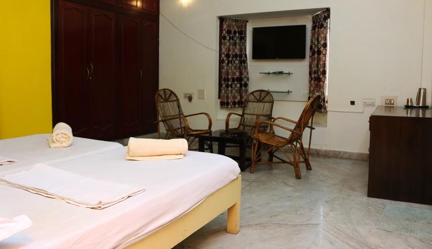 elements hostel guesthouse chennai twin room madurai
