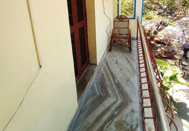 elements hostel guesthouse chennai twin room pondicherry balcony