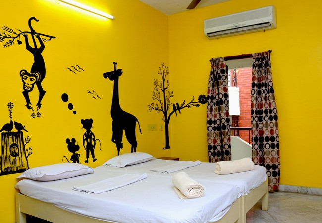 elements hostel guest house chennai deluxe twin room madurai